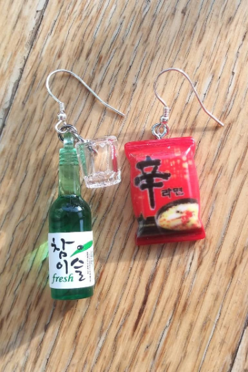 The taste of Korea earrings, Korean Soju with shot glass and Shin辛Ramen noodles earrings, funny earrings