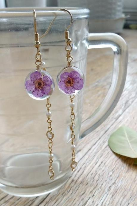 Real flower gold chain dangle earrings// Pressed flower Jewellery// Dried flower earrings