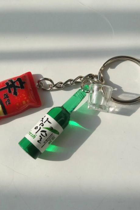 The taste of Korea>>> Korean instant noodles Shin Ramen with Soju bottle and shot glass keychain, Soju keychain, drink bottle keychain